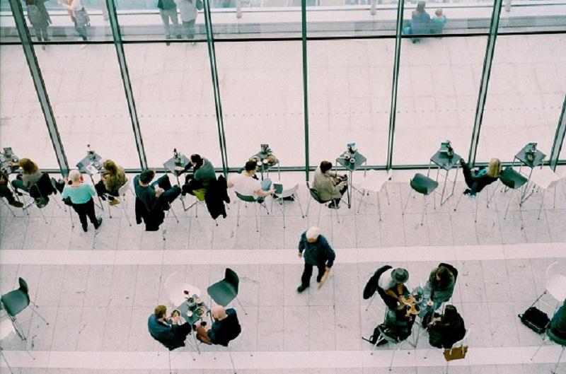 הקפטריה בעבודה היא אחד המקומות בהם יש יותר סטוריטלינג בעסקים Business Storytelling