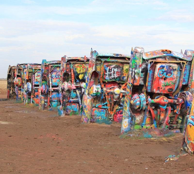 אמנות תקועה בבוץ כבד - סל תרבות